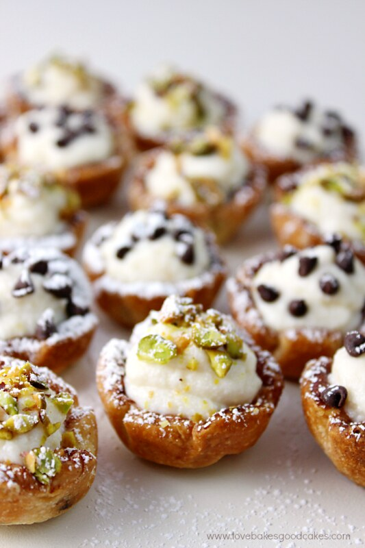 Mini Cannoli Cups close up.