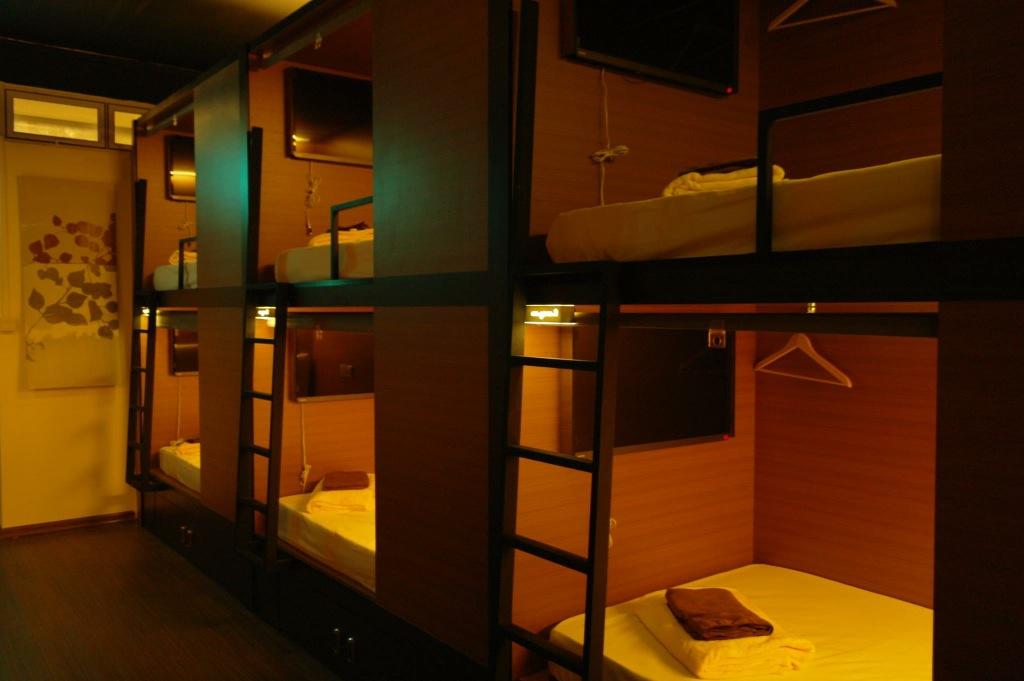 Chic Otel Capsule | Bedroom 02