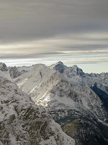 winter snow mountains alps clouds forest germany bavaria austria hiking border peak alpen peaks range karwendel zugspitze mittenwald wetterstein nördlichekarwendelkette grünkopf northernkarwendel
