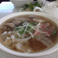 noodle, bãºn bã² huế, noodle soup, kuy teav, butajiru, kalguksu, pho, food, dish, soup, cuisine,