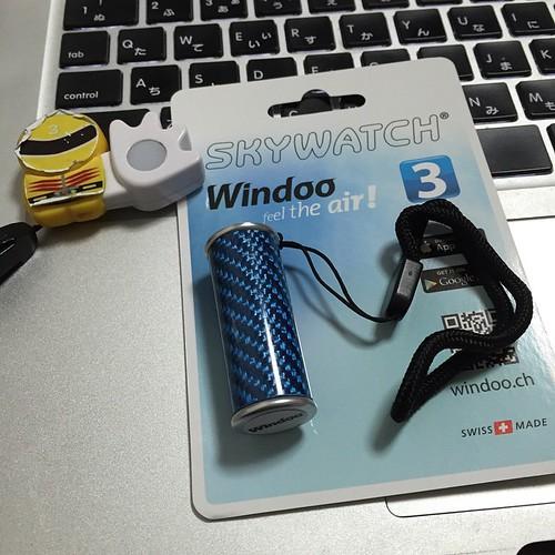 SKYWATCH Windoo 3、使わないときにはこうしてコンパクト?になります。ストラップ付。