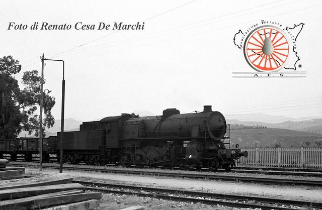 056 - Dicembre 2014 - La possente 480 a Dittaino 15726625807_6a99a4234a_z