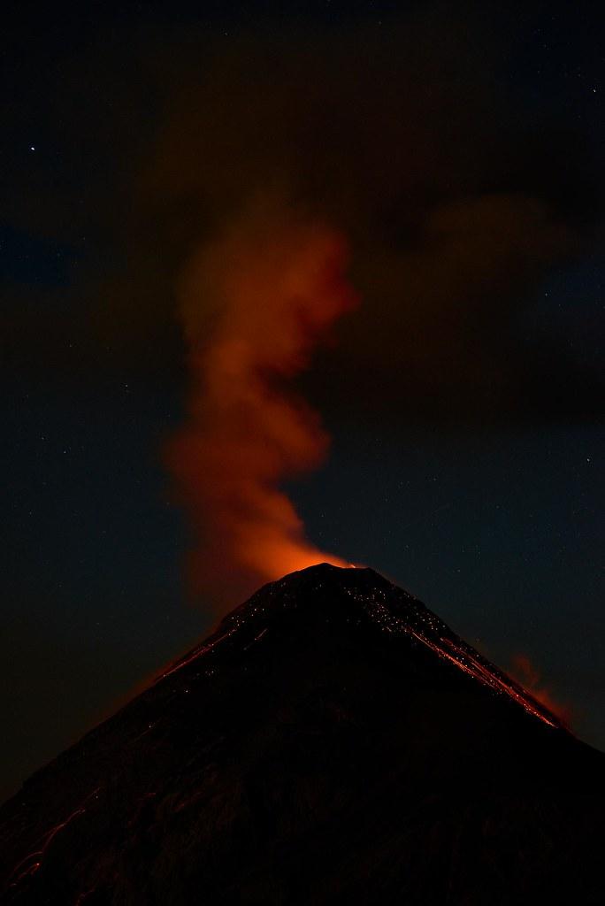 Glowing Volcán de Fuego - Antigua