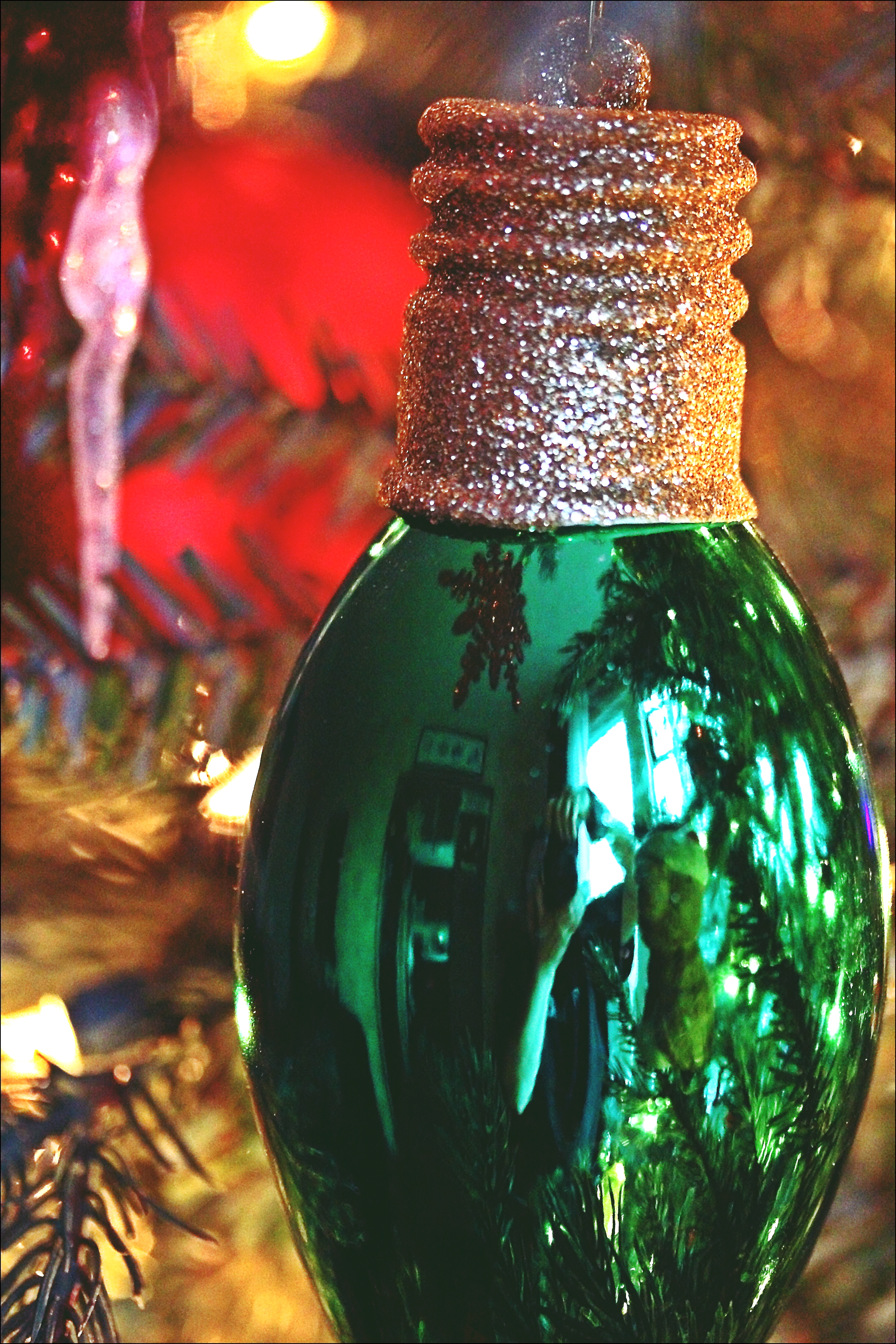 365 Days In Colour: Dark Green & Or Gold. christmas, decorations, canon, morninglight, 60d. buy photo