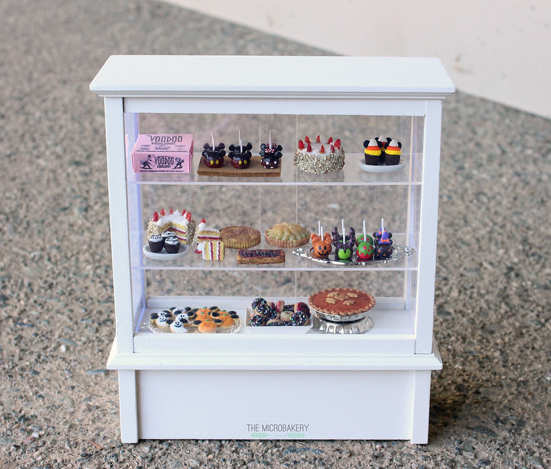 themicrobakery microbakery display case
