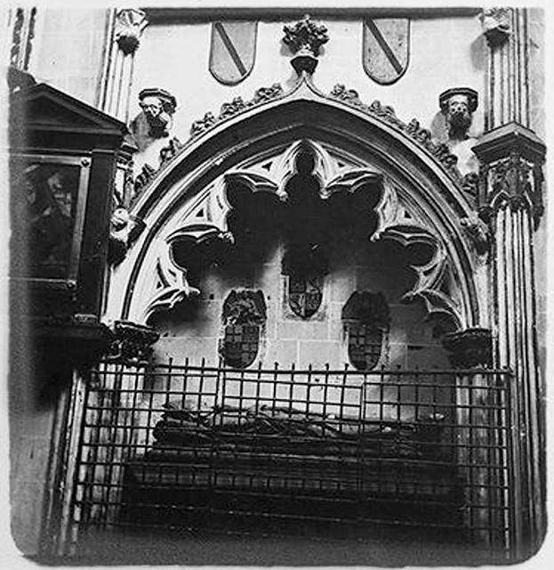 Capilla de San Ildefonso en la catedral en 1904. Fotografía de Augusto T. Arcimis © Fototeca del IPCE, MECD. Signatura ARC-0725_P
