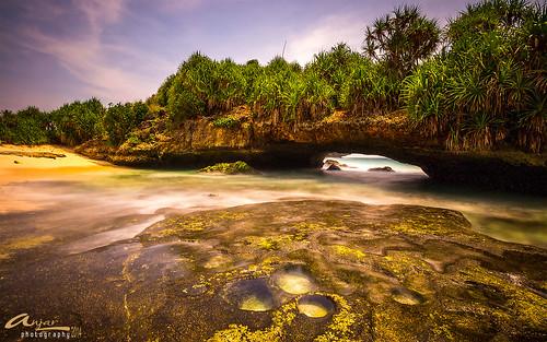 Pantai Karang Bolong Pacitan photo