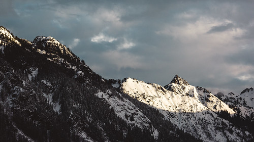 mountains landscape winter clouds nature outdoors pacificnorthwest snoqualmiepass canoneos5dmarkiii canonef100400mmf4556lisusm scenic scenery washington johnwestrock
