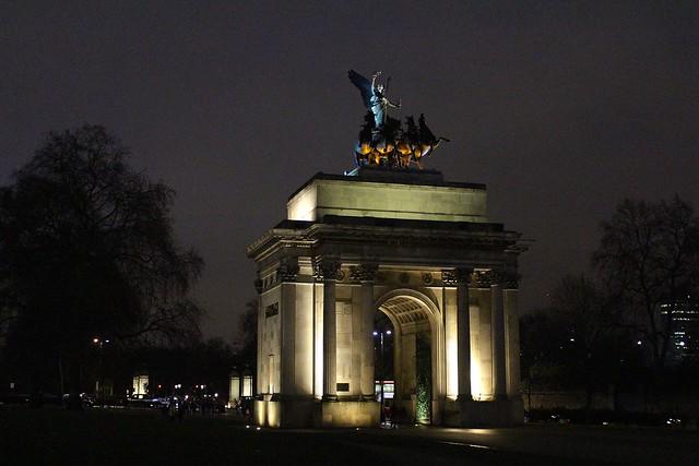 London, England | Travel Diary | #LivingAfterMidnite