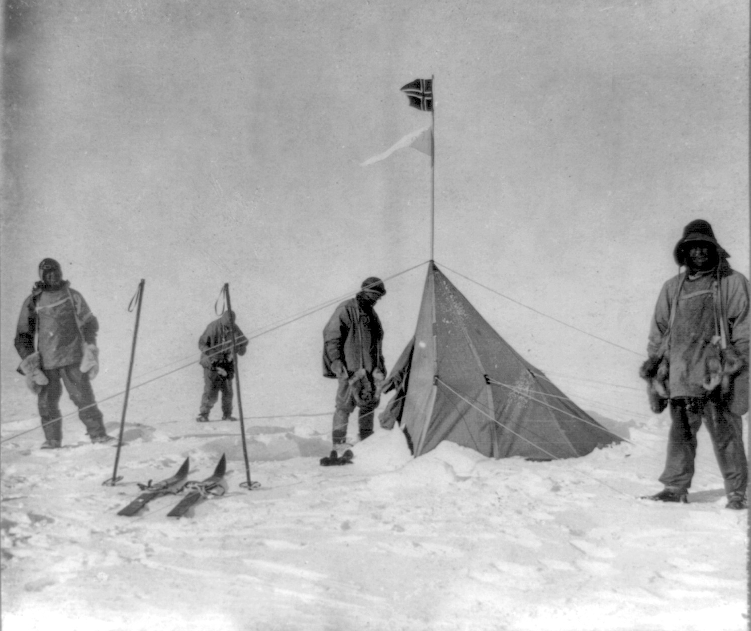 Scott and team see Norwegian flag at the South Pole