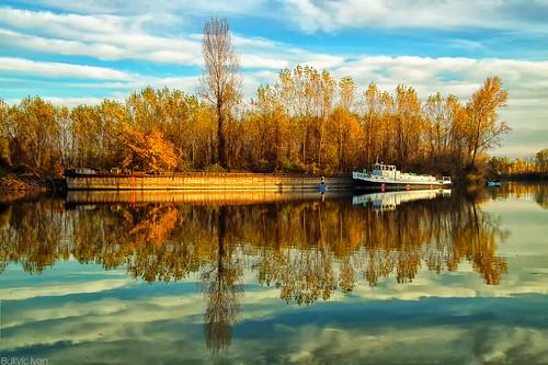 kovin dunav dunavac srbija serbia danuberiver danube reka river nature reflection boat bukvicivan nikond5200 nikon