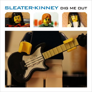 SLEATER KINNEY: Dig me out