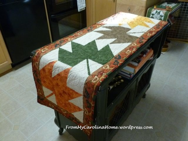 Maple Leaf Table Runner finished 4