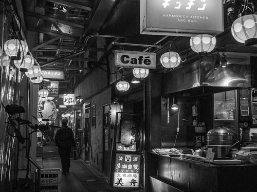 妄想 [機材沼] : ファインダーとスナップマシーンGRと一日一回の寿司