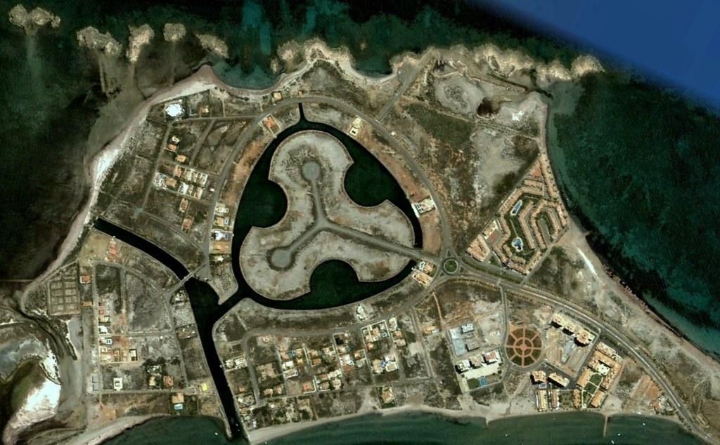 la manga del mar menor, murcia, una rotonda hecha de lagos y de rotondas, antes, urbanismo, planeamiento, urbano, desastre, urbanístico, construcción