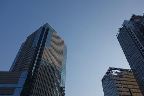 Shinjuku_2 新宿で高層ビルディング群を撮影した写真。 夕陽に照らされている。