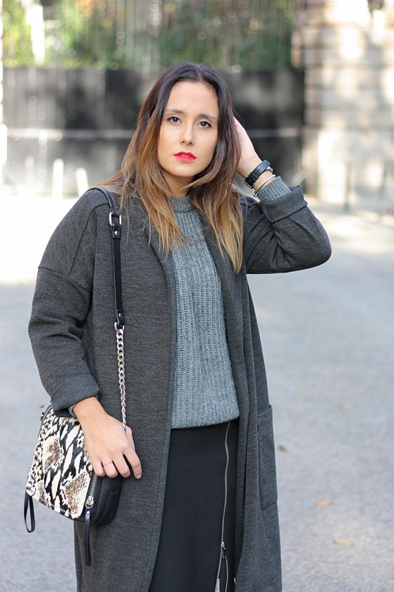 street_style-outfit--long_jacket-grey-zara_daily-midi_skirt-marc_jacobs-autumn