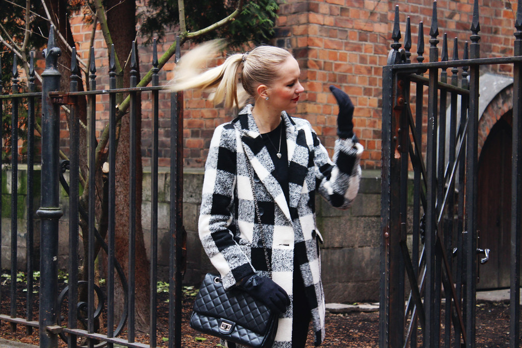 blonde-latvian-fashion-blogger-maddie