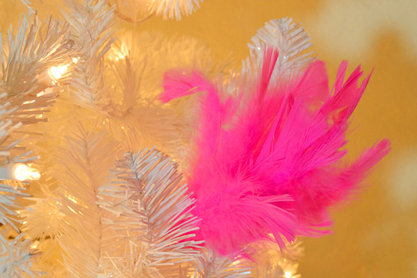 009-neon-feather-picks-dreamalittlebigger