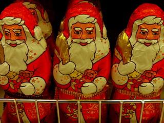 A Cartful of Santa's
