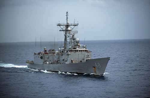 USS Vandegrift-Coast Guard Team Prevents Smuggling Attempt Off Central America