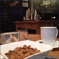 """It's that time of year :) Happy Holidays Everyone! #whatsprinceeating: """"Raisin Bran Cereal"""" www.princesdailyjournal.com #princesdailyjournal #rcmemories #breakfast #silverbells #happyholidays #letitsnow #work #study #play #networking #myfab5 @bestfoodbost"""