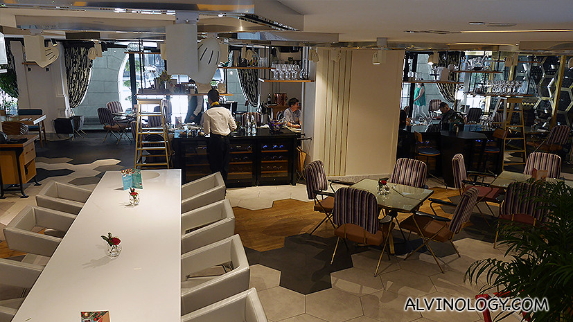 Xperience restaurant and bar at Sofitel SO Singapore