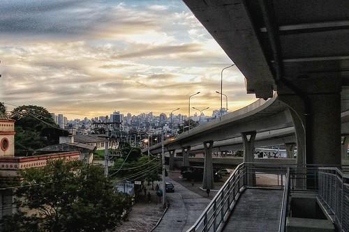 city brazil urban brasil sunrise cityscape portoalegre viaduct transportation nuvens riograndedosul transporte viaduto nascerdosol urbanization urbanização urbanmobility cidadesbrasileiras mobilidadeurbana viadutosãojorge