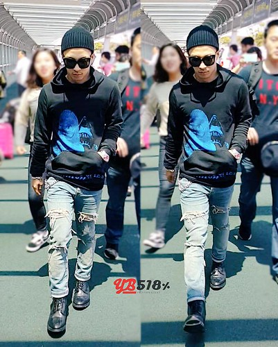 Big Bang - Jeju Airport - 19may2015 - Tae Yang - YB 518 - 01