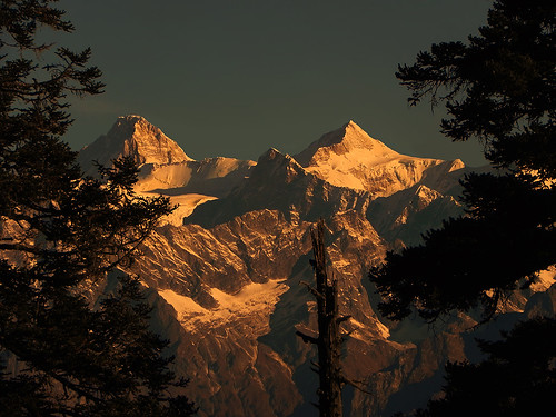 sunset india mountain beauty trek landscape evening twilight sundown dusk picture twin peak uttaranchal himalaya mana picturesque range himalayas kamet highaltitude garhwal lopamudra uttarakhand kuari uttarkhand khulara lopamudrabarman khullara