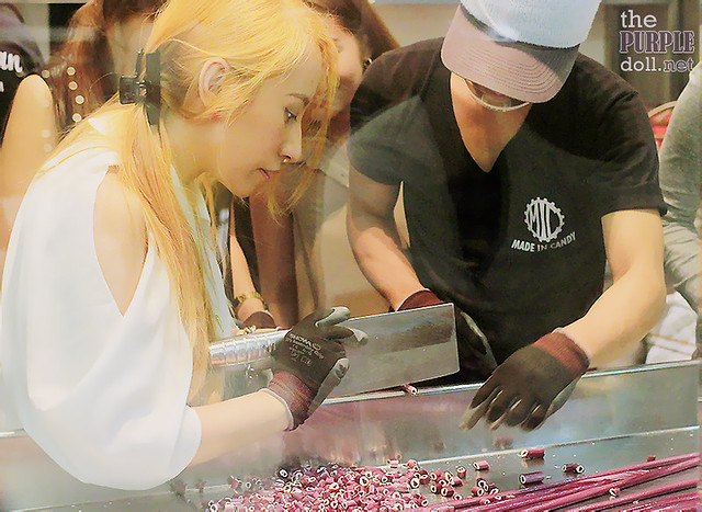 Sumi tries candy-making at Made in Candy SM Megamall