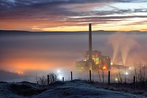 sunrise peakdistrict goldenhour castleton cloudinversion hopecementworks