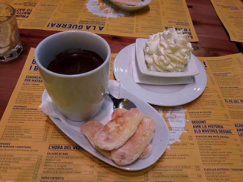 Xocolatada de xocolata negra, cafè i melindros i nata!