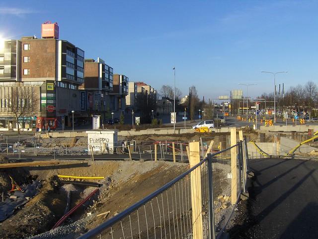 Hämeenlinnan moottoritiekate ja Goodman-kauppakeskus: Työmaatilanne 22.4.2012 - kuva 9