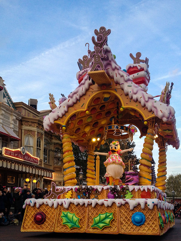 Sugar and Spice Float in the Christmas Parade