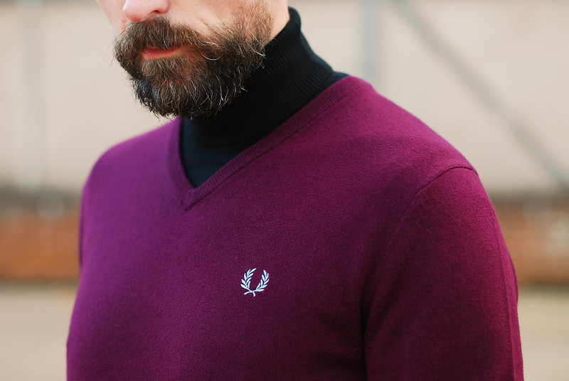 V-Neck Fred Perry and Roll Neck