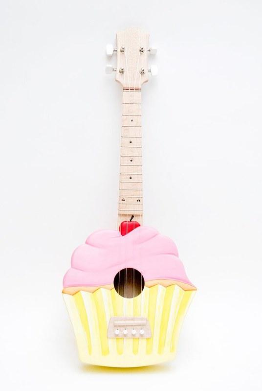 cupcake ukelele
