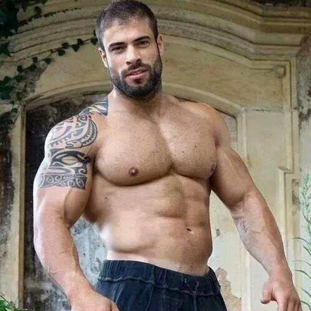 Muscle men tube