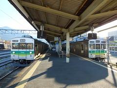 元東急8500系電車。右側は元からの先頭車だが、左側は中間車を改造しており、貫通扉が無いが、それっぽく線を入れている。
