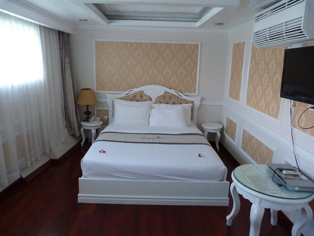 Habitación del Signature Cruises (Crucero de la Bahía de Halong, Vietnam)