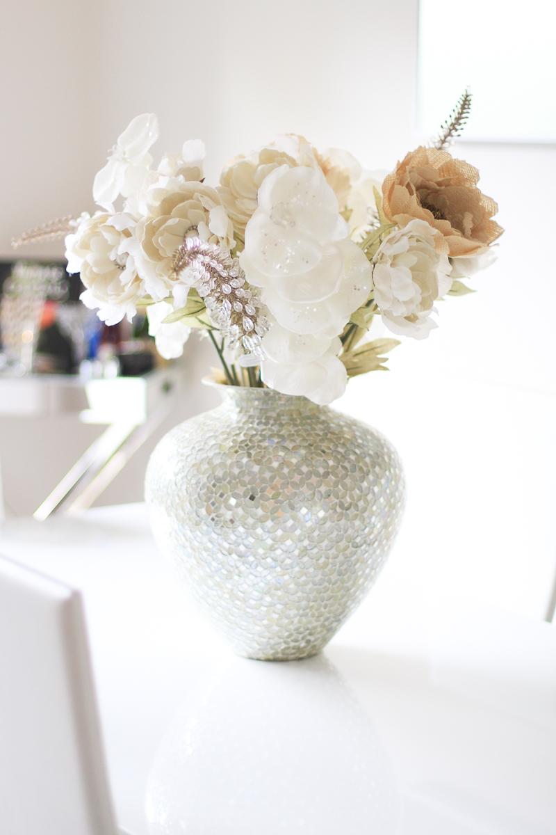 table centerpiece flower bouquet arrangement