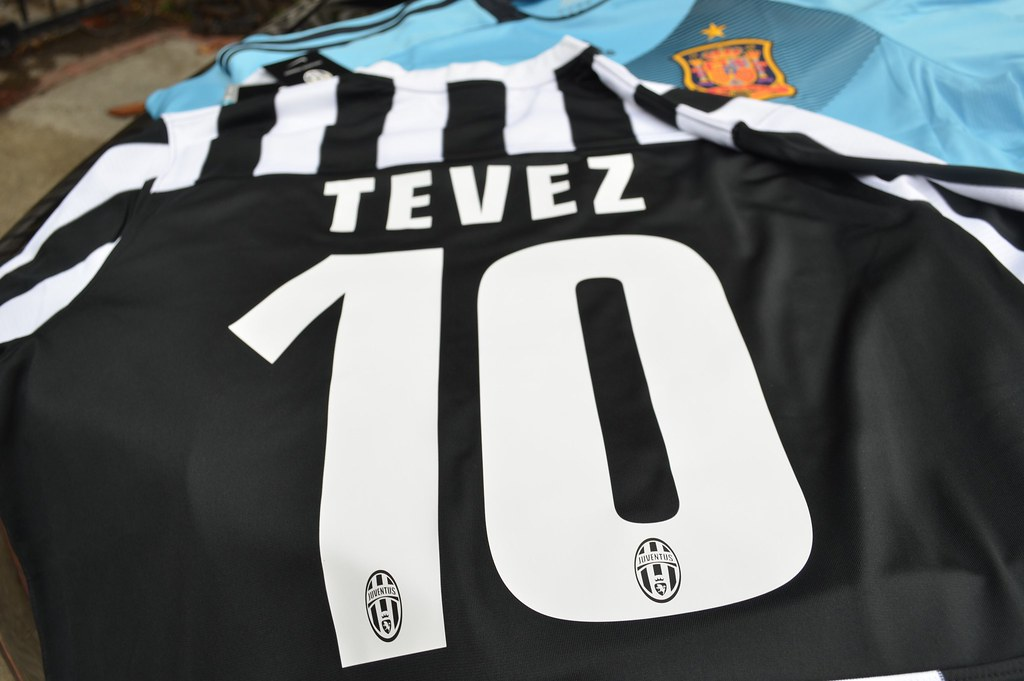 the latest b8fbc 464c3 2013-2014 Nike Juventus Tevez 10 Kit | NewPickUps Spain 2013 ...