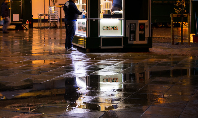 20141016-52_Crepes_Reflections_Coventry Precinct Cross