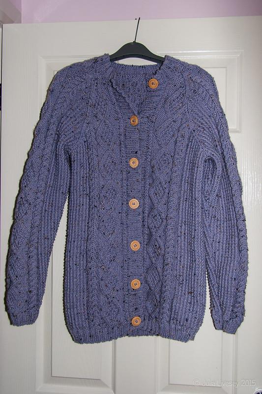 I've finished knitting my cardigan