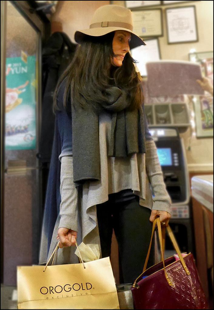 SS1-15  2w fedora long layered grey sweater pruple Louis Vuitton bag