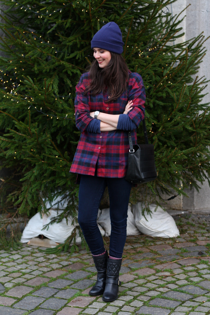 oversized plaid shirt, biker boots