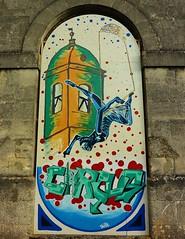 Saint Jean d' Angely, graffiti ancienne caserne - Photo of Saint-Julien-de-l'Escap