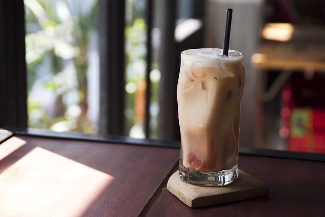 "White chocolate ""strewpberry"" tea latte"
