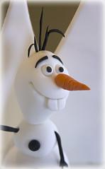 Frozen cake, Olaf topper