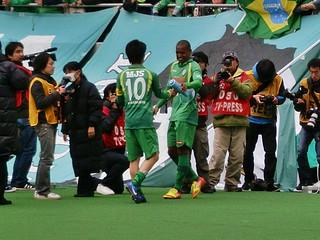 トラメガで挨拶したジョジマール選手と小林選手。ジョジマール選手はもちろん日本語です。